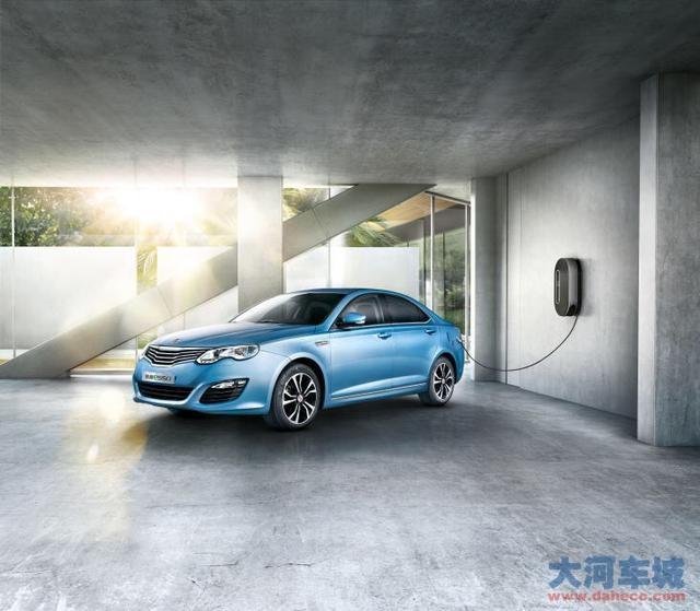 比亚迪秦和上汽荣威e550究竟哪个是新能源汽车的领导者高清图片